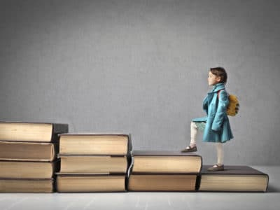 Encontro organizado pela Unesco reúne especialistas para falarem sobre educação - Por Korn Traduções
